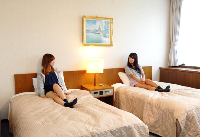和室でゴロゴロしたり、椅子に座って談笑したり、快適に合宿生活を満喫できます。